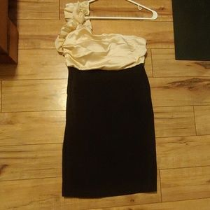 Ruffled one shoulder dress black/gold semi formal